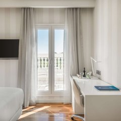 Отель NH Nacional Испания, Мадрид - 2 отзыва об отеле, цены и фото номеров - забронировать отель NH Nacional онлайн удобства в номере фото 2