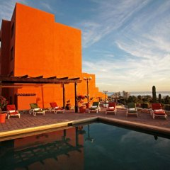 Sunrock Condo Hotel бассейн фото 3