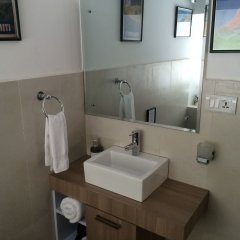 Отель Piano B&B Непал, Лалитпур - отзывы, цены и фото номеров - забронировать отель Piano B&B онлайн ванная