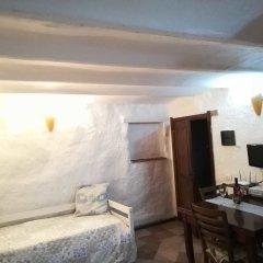 Отель Appartamenti Eleonora D'Arborea Кастельсардо комната для гостей фото 3