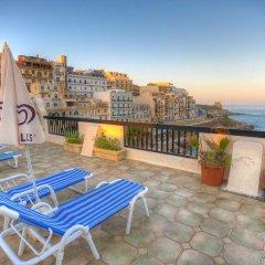 Отель Saint Patrick's Hotel Мальта, Мунксар - отзывы, цены и фото номеров - забронировать отель Saint Patrick's Hotel онлайн бассейн