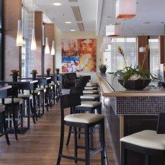 Отель Courtyard by Marriott Zurich North Швейцария, Цюрих - отзывы, цены и фото номеров - забронировать отель Courtyard by Marriott Zurich North онлайн гостиничный бар
