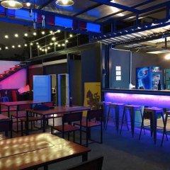 Samsen 8 Hostel Бангкок гостиничный бар