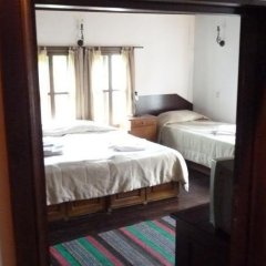 Отель Parlapanova Guest House - Pool Access Боженци комната для гостей фото 3