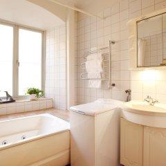 Отель Collectors Victory Apartments Швеция, Стокгольм - 2 отзыва об отеле, цены и фото номеров - забронировать отель Collectors Victory Apartments онлайн ванная