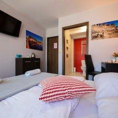 Отель Boogie Hostel Deluxe Польша, Вроцлав - отзывы, цены и фото номеров - забронировать отель Boogie Hostel Deluxe онлайн сейф в номере