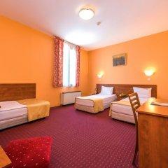 Отель Sveta Sofia Hotel Болгария, София - 2 отзыва об отеле, цены и фото номеров - забронировать отель Sveta Sofia Hotel онлайн комната для гостей фото 2