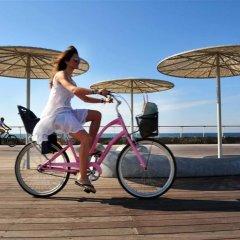 Отель Crowne Plaza Tel Aviv Beach спортивное сооружение