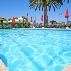 Hotel Na Taconera бассейн