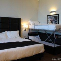 Отель Holiday Inn Genoa City сейф в номере