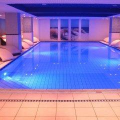 Отель Carat Golf & Sporthotel бассейн