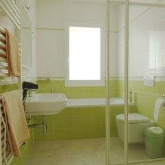 Отель Della Rose Оспедалетти ванная фото 2