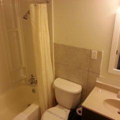 Отель 401 Inn Канада, Бурнаби - отзывы, цены и фото номеров - забронировать отель 401 Inn онлайн ванная фото 2