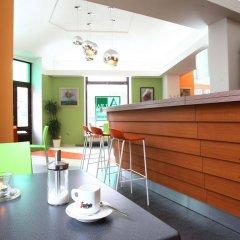 Апартаменты Alea Apartments House гостиничный бар