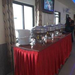 Отель Taj Riverside Resort and Adventure Непал, Катманду - отзывы, цены и фото номеров - забронировать отель Taj Riverside Resort and Adventure онлайн питание
