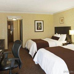 Отель Delta Hotels by Marriott Toronto East Канада, Торонто - отзывы, цены и фото номеров - забронировать отель Delta Hotels by Marriott Toronto East онлайн комната для гостей фото 4