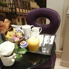 Отель Hôtel Little Regina питание