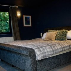 Отель Modern 3 Bedroom Family House With Garden комната для гостей фото 4
