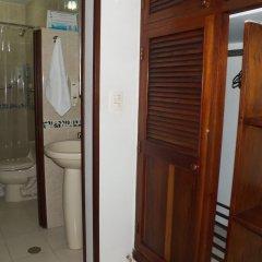 Отель Casa Santa Mónica Колумбия, Кали - отзывы, цены и фото номеров - забронировать отель Casa Santa Mónica онлайн ванная