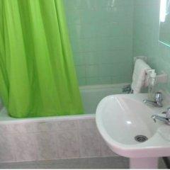 Отель Hostal Galan Фуэнхирола ванная