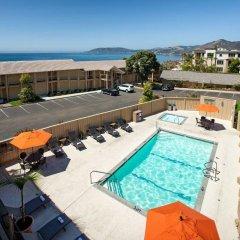 Отель Spyglass Inn бассейн фото 3