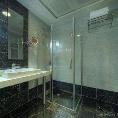 The Hotel Beyaz Saray & Spa Турция, Стамбул - 10 отзывов об отеле, цены и фото номеров - забронировать отель The Hotel Beyaz Saray & Spa онлайн ванная фото 2