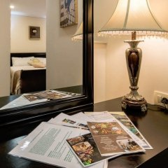 Отель Palace Queen Mary Luxury Rooms в номере