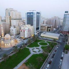 Отель Al Hamra Hotel ОАЭ, Шарджа - отзывы, цены и фото номеров - забронировать отель Al Hamra Hotel онлайн балкон