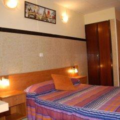 Отель Pensión 45 Испания, Барселона - отзывы, цены и фото номеров - забронировать отель Pensión 45 онлайн комната для гостей фото 4