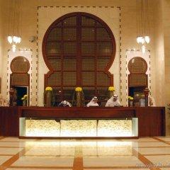 Отель Crowne Plaza Jeddah интерьер отеля