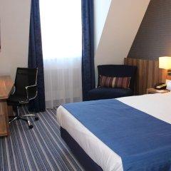 Отель Holiday Inn Express Dresden City Centre сейф в номере