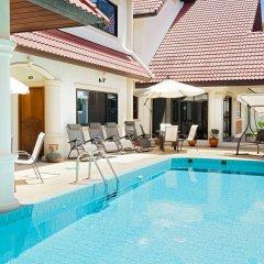 Отель Royal Prince Residence бассейн