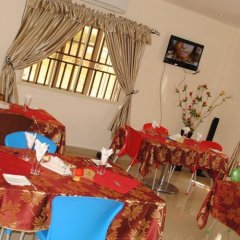 Mikagn Hotel and Suites Ибадан детские мероприятия фото 2