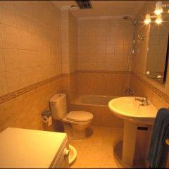 Отель Cala Apartments 3Pax 1A Испания, Гинигинамар - отзывы, цены и фото номеров - забронировать отель Cala Apartments 3Pax 1A онлайн ванная