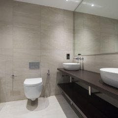 Отель Posh 2BR Westminster Suites by Sonder Великобритания, Лондон - отзывы, цены и фото номеров - забронировать отель Posh 2BR Westminster Suites by Sonder онлайн ванная фото 2