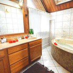 Отель Villa Maharepa Beach by Enjoy Villas Villa 3 ванная