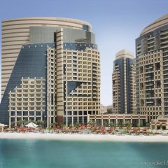 Отель Khalidiya Palace Rayhaan by Rotana, Abu Dhabi пляж