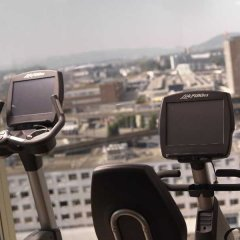 Renaissance Zurich Tower Hotel фитнесс-зал фото 3