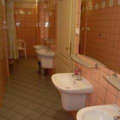Отель Hostel Mleczarnia Польша, Вроцлав - отзывы, цены и фото номеров - забронировать отель Hostel Mleczarnia онлайн ванная