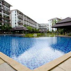Отель Ratchy Condo Банг-Саре бассейн