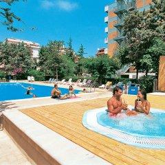 Отель Club Hotel Le Nazioni Италия, Монтезильвано - отзывы, цены и фото номеров - забронировать отель Club Hotel Le Nazioni онлайн бассейн