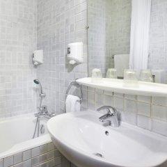 Отель Hôtel Flor Rivoli Франция, Париж - 4 отзыва об отеле, цены и фото номеров - забронировать отель Hôtel Flor Rivoli онлайн ванная