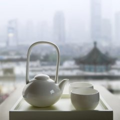 Renaissance Shanghai Yu Garden Hotel фитнесс-зал фото 3