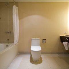 Отель Taal Vista Hotel Филиппины, Тагайтай - отзывы, цены и фото номеров - забронировать отель Taal Vista Hotel онлайн ванная фото 2