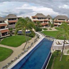 Отель Las Palmas Luxury Villas бассейн