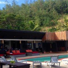 Отель Funky Fish Beach & Surf Resort Фиджи, Остров Малоло - отзывы, цены и фото номеров - забронировать отель Funky Fish Beach & Surf Resort онлайн бассейн