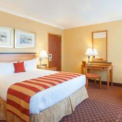 Отель Howard Johnson Hotel by Wyndham Vancouver Downtown Канада, Ванкувер - отзывы, цены и фото номеров - забронировать отель Howard Johnson Hotel by Wyndham Vancouver Downtown онлайн комната для гостей фото 2