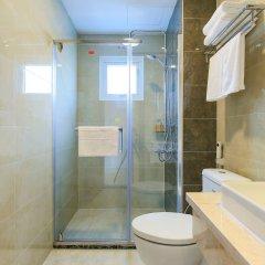 Отель Hoang Lan Hotel Вьетнам, Хошимин - отзывы, цены и фото номеров - забронировать отель Hoang Lan Hotel онлайн ванная
