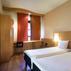 Отель Ibis Milano Ca Granda Италия, Милан - 13 отзывов об отеле, цены и фото номеров - забронировать отель Ibis Milano Ca Granda онлайн комната для гостей фото 4