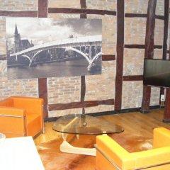 Апартаменты Amosa Apartments Rue Gerardrie 17 интерьер отеля